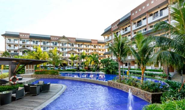 sienna-park-residences-swimming-pool